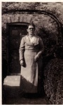 Selina Hewson, Joe Hewson's mother