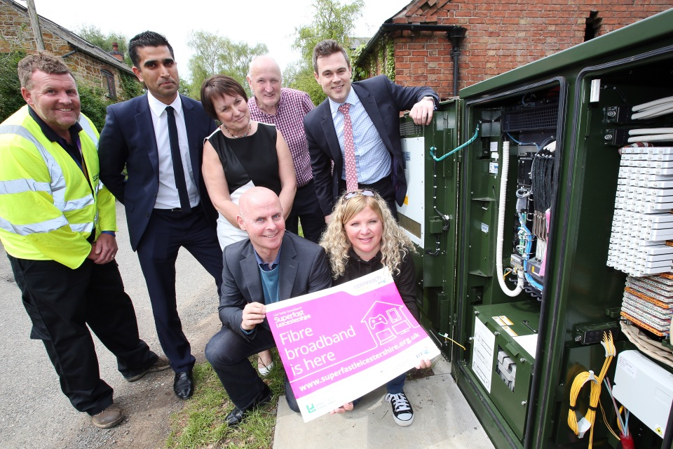 BT Engineer Mark Hoyland, Kasam Hussain from BT, Helen Harris from Leicestershire County Council, Leicestershire County Councillor Joe Orson, County Councillor and Lead Member for Broadband Blake Pain, Holwell village Digital Champion Simon Wilkinson-Blake and villager Sally Willars who runs her business from home.